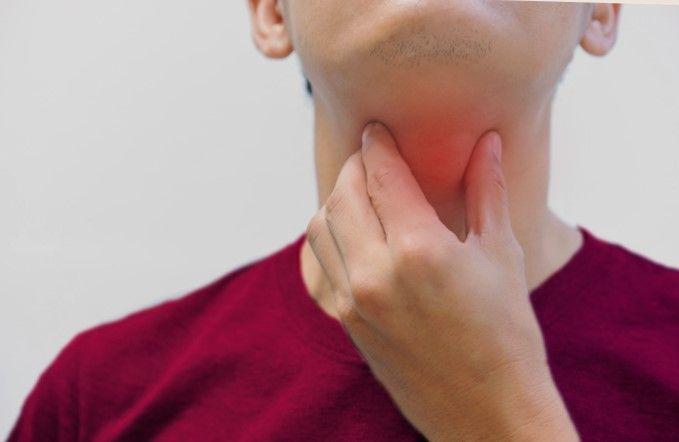 Penyebab sakit tenggorokan